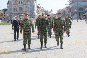 Predstavnici Vojske Srbije na Trgu slobode