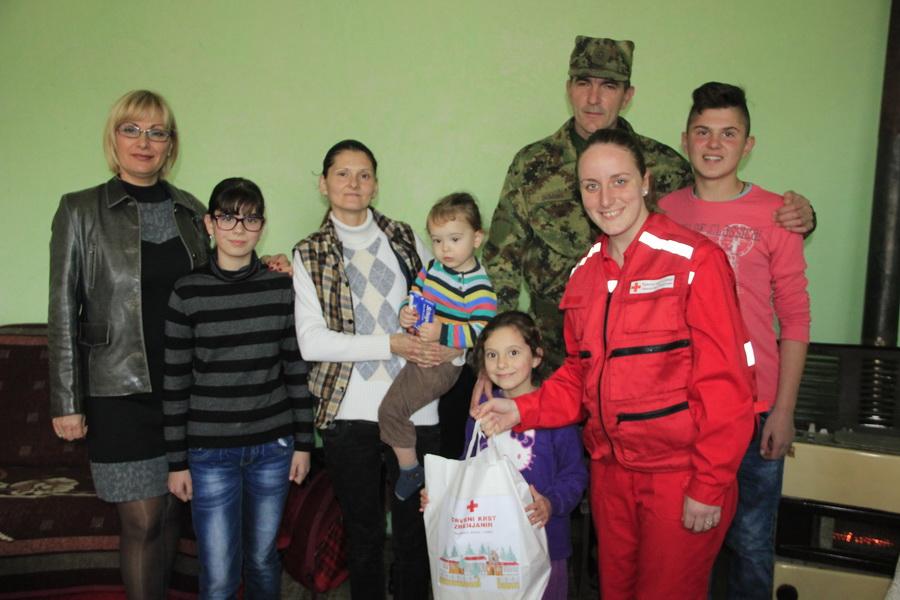 vojska-srbije-pomoc-socijalno-ugrozenima-0005