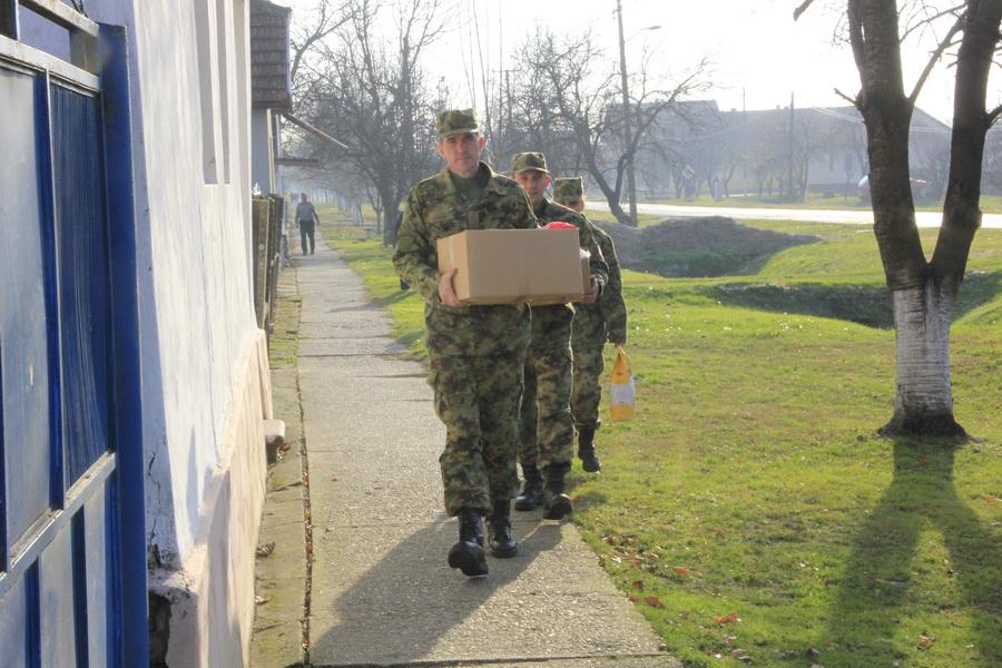 vojska-srbije-pomoc-socijalno-ugrozenima-0010
