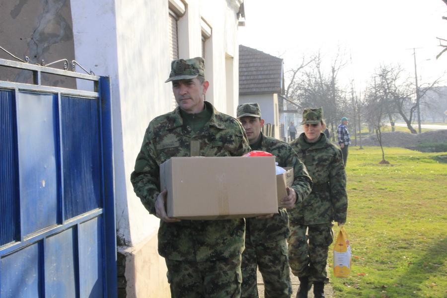 vojska-srbije-pomoc-socijalno-ugrozenima-0011