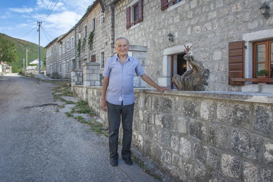 2-Kraj rodne kuce u Grabu... Uros Milojevic
