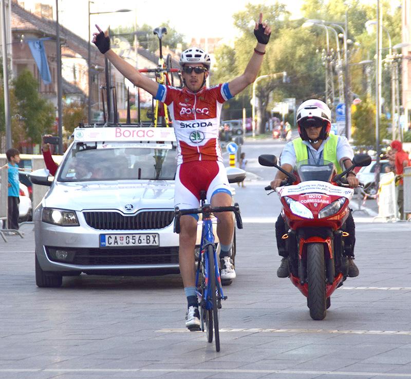 DSC_2290 Pobednik druge etape ulazi u cilj