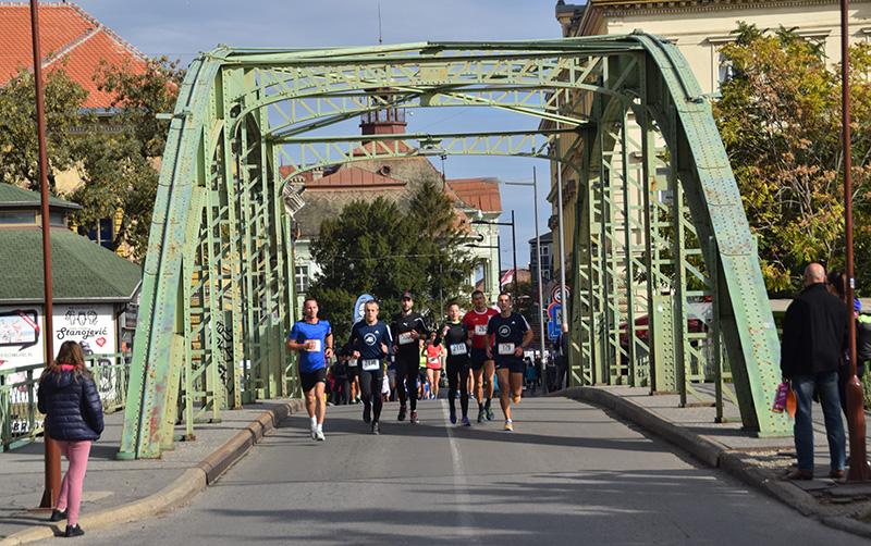 DSC_6230 maratonci kod malog mosta