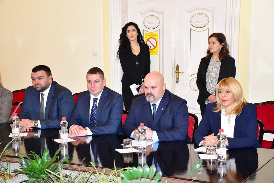 ministar 0010_sarcevic