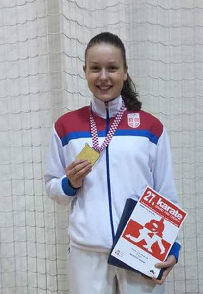44 - 4 B karate Marina Radicevic
