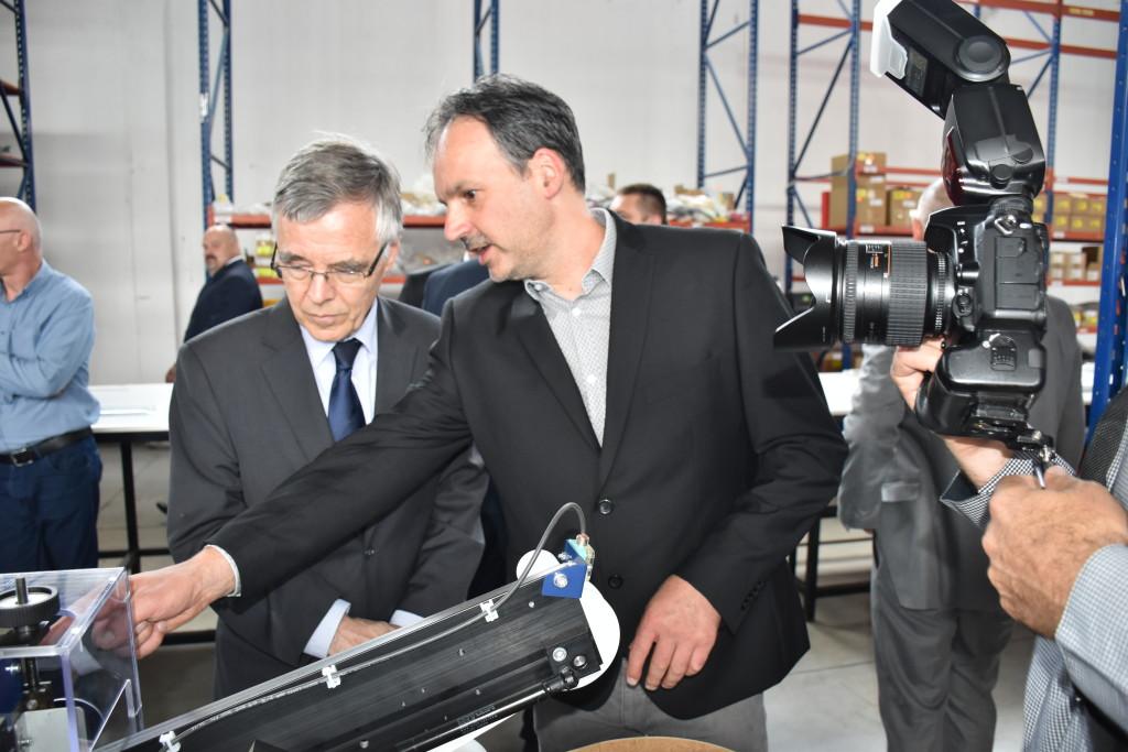 Belgiski ambasador u poseti kompaniji T4B u Zrenjainu.JPG3