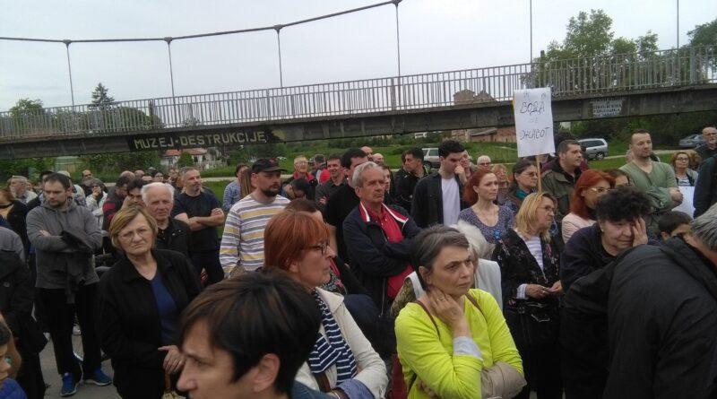 GRAĐANI PROTESTOVALI ZBOG VODE: Nadležni da javno izlože problem pijaće vode i postrojenja