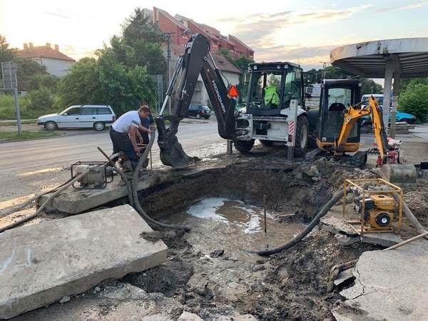 VELIKA HAVARIJA NA MAGISTRALNOM VODU: Deo Bagljaša bez vode, pad pritiska u celom gradu