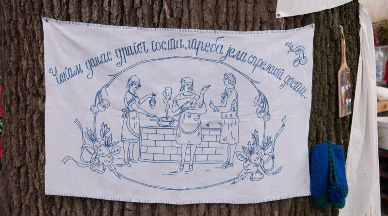 """LIVAĐANKE"" ORGANIZOVALE ETNO-BAZAR: Domaćice, manje zbori..."