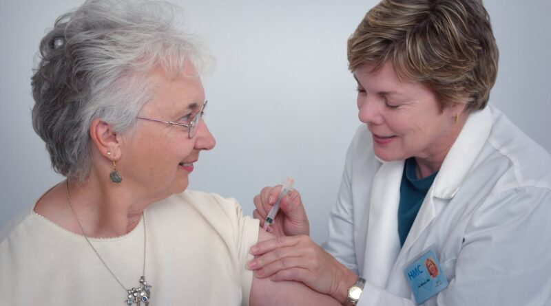 DOM ZDRAVLJA: Sutra kreće vakcinacija najstarijih koji su se prijavili