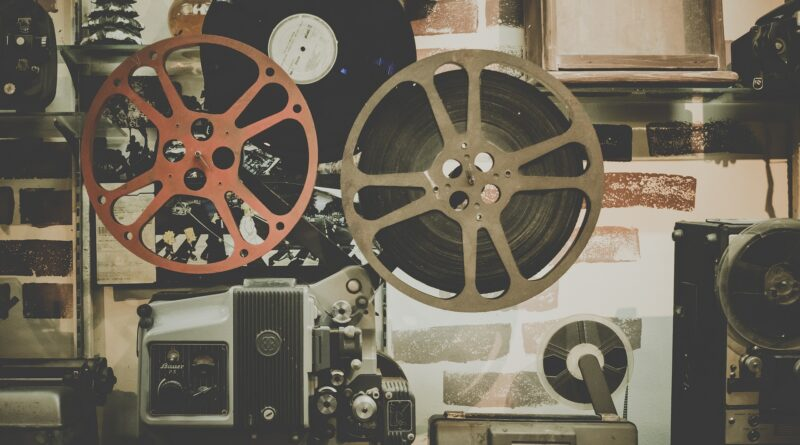 "FILMSKA LEKTIRA KULTURNOG CENTRA: Projekcija ""Ružnog Amerikanca"" i ""Grofice iz Hong Konga"""