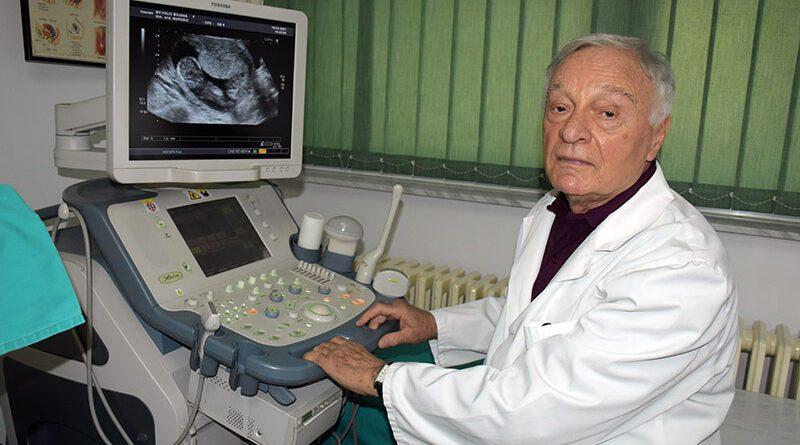 PRIMARIJUS DR JOVO MARUŠIĆ, GINEKOLOG, IZLEČIO JE MNOGO ŽENA OD STERILITETA I DOBIO BROJNE NAGRADE